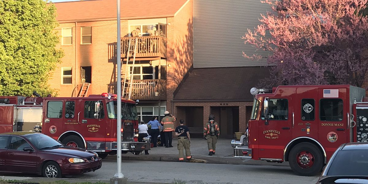Crews on the scene of apartment fire in Evansville