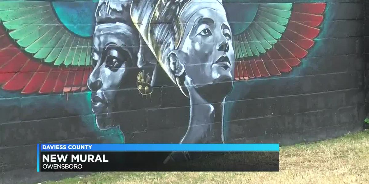 Owensboro group painting mural dedicated to African history