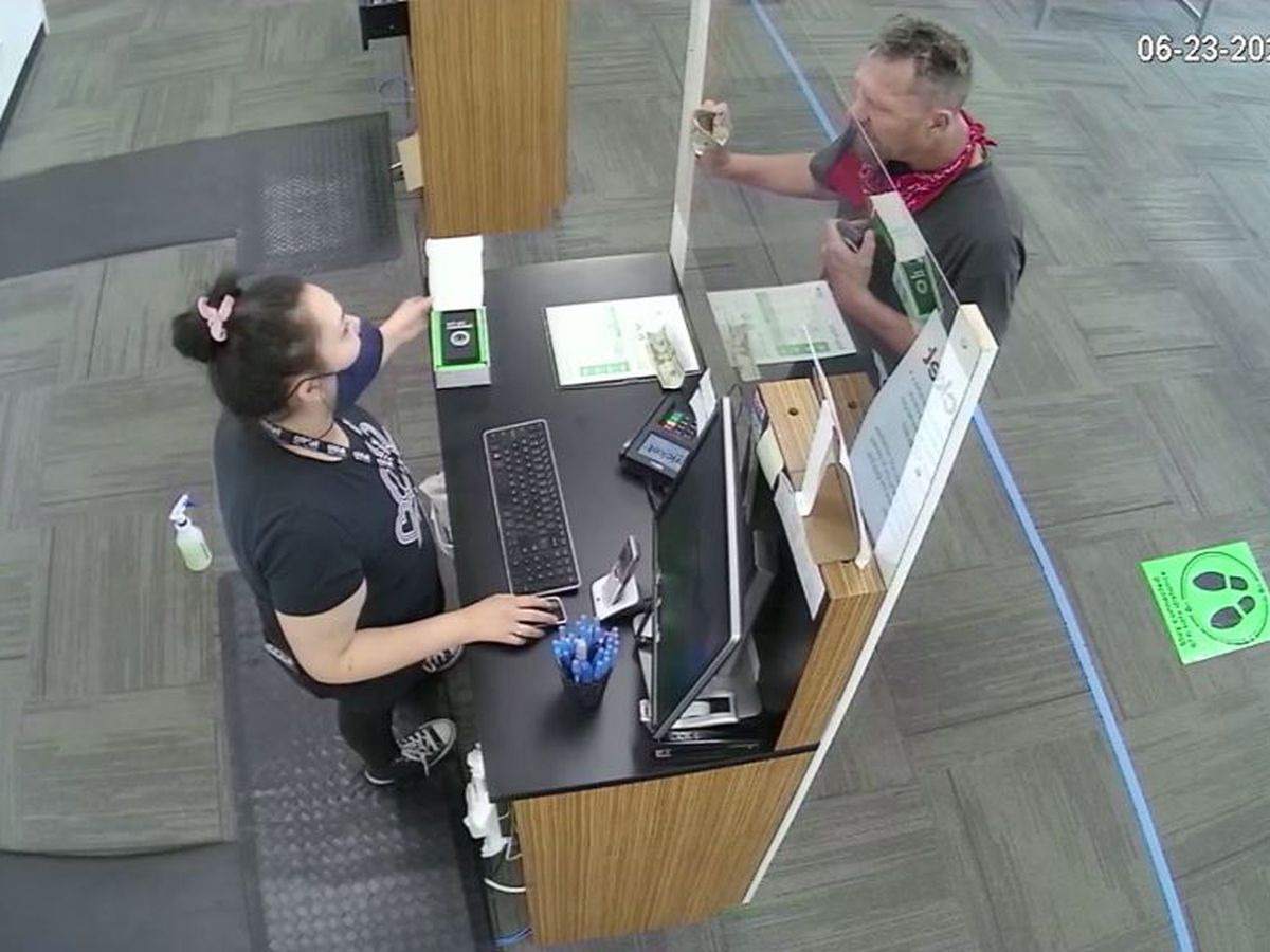 Angry customer attacks Colo. cell phone store employees over quoted price