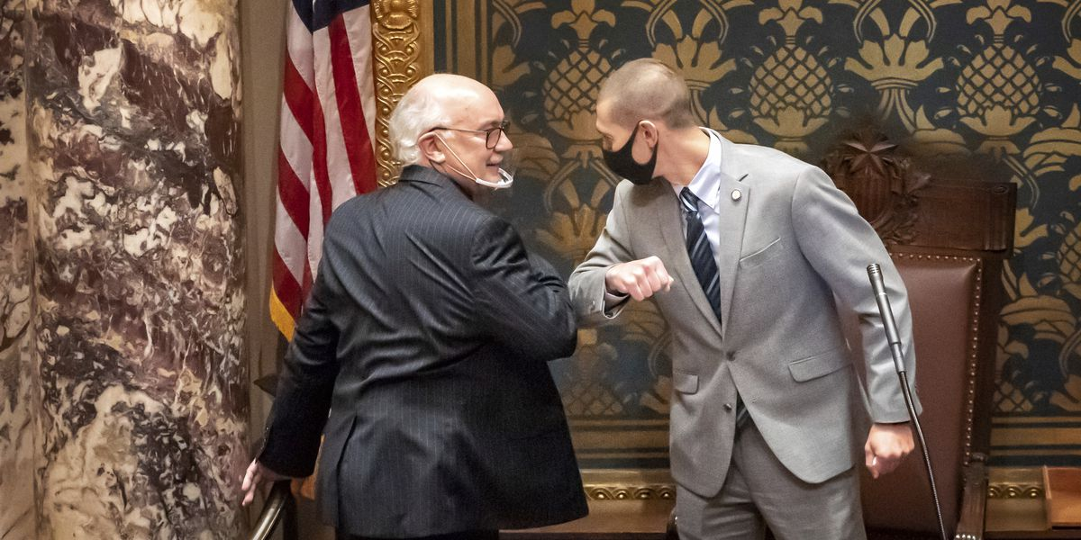 Many GOP lawmakers shrug off Statehouse mask-wearing rules