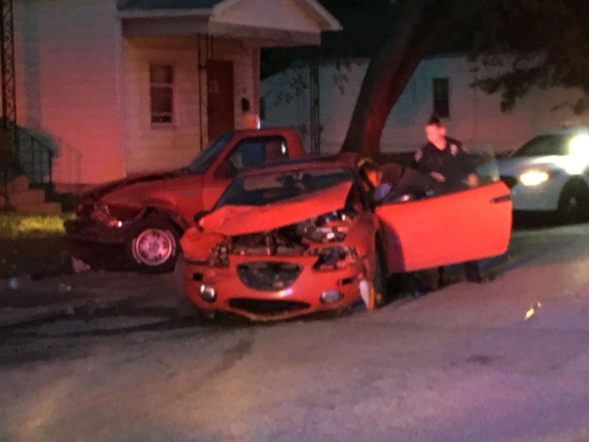 Driver in custody after chase ends in crash