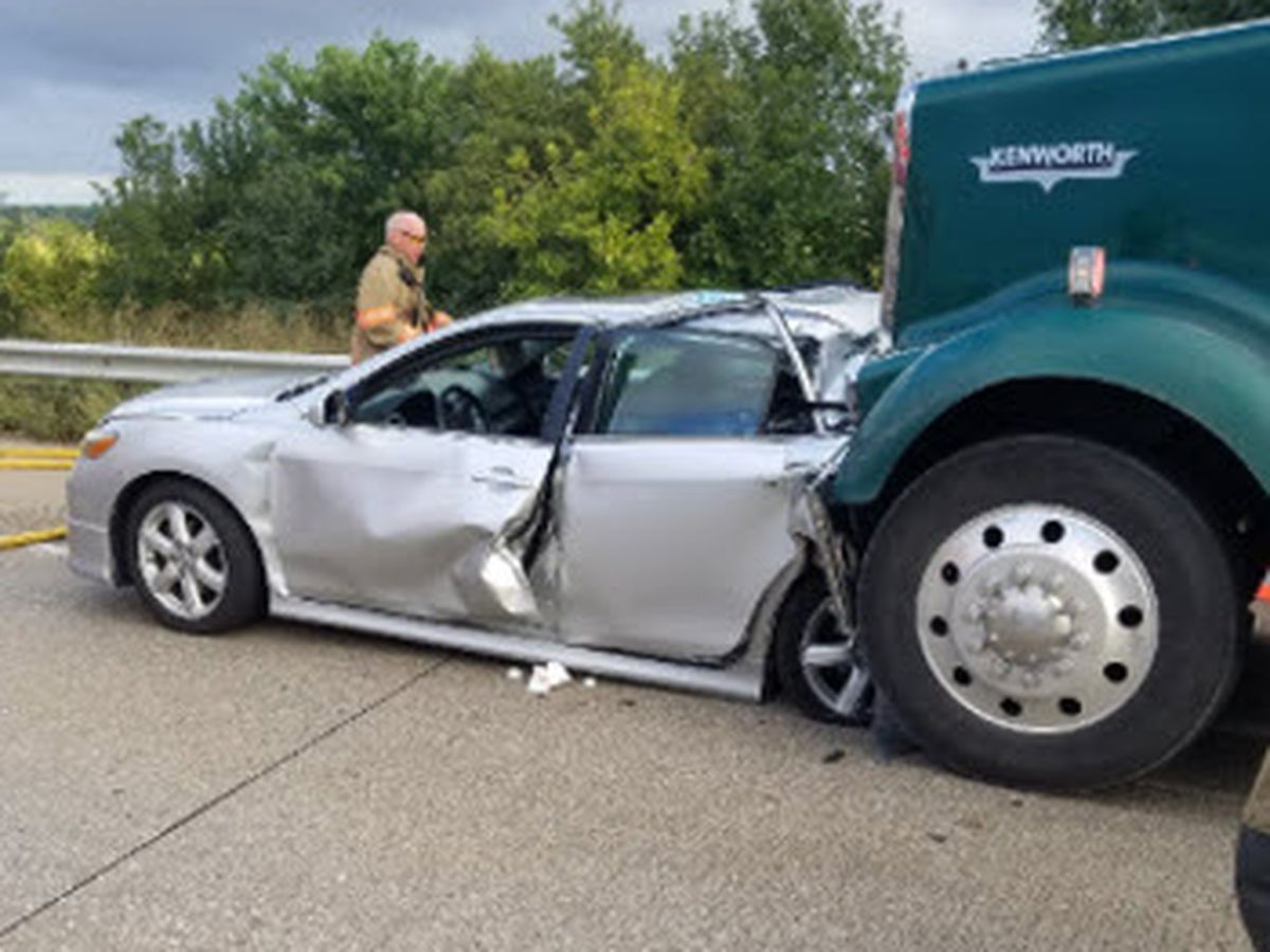 NB I-69 blocked after semi, car accident