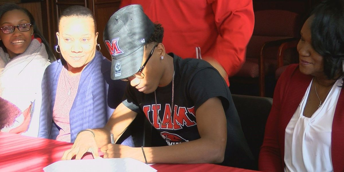 Bosse's Lairy signs to play basketball at Miami (OH)